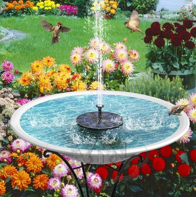 Zahradní solární fontána