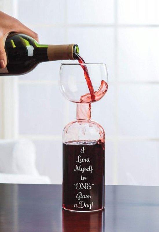 Lahev se sklenicí na víno 2v1