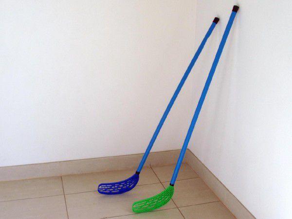 Floorball hokejka plast 110x30x3cm asst 2 barvy