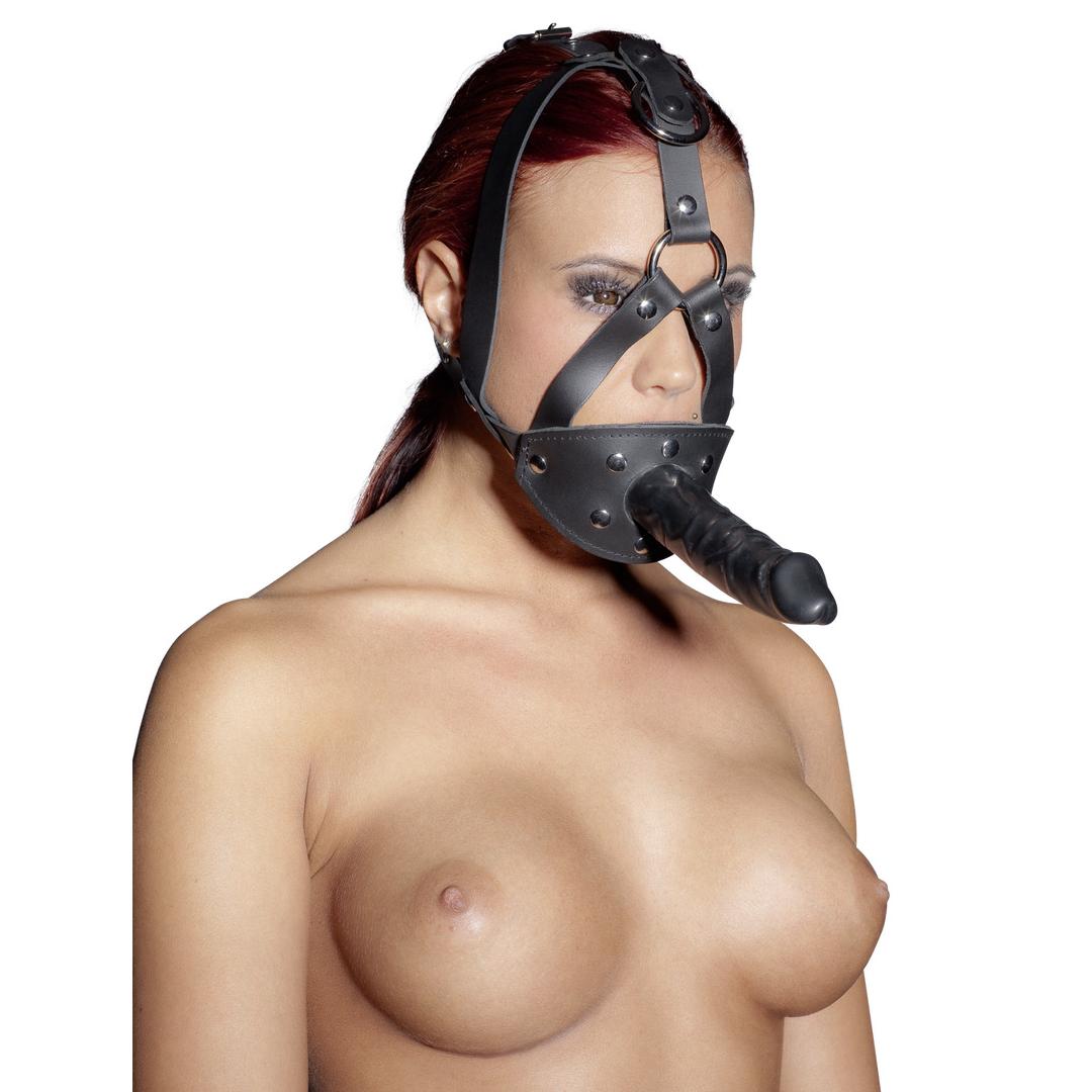 Kožený postroj s roubíkem a vnějším masturbátorem