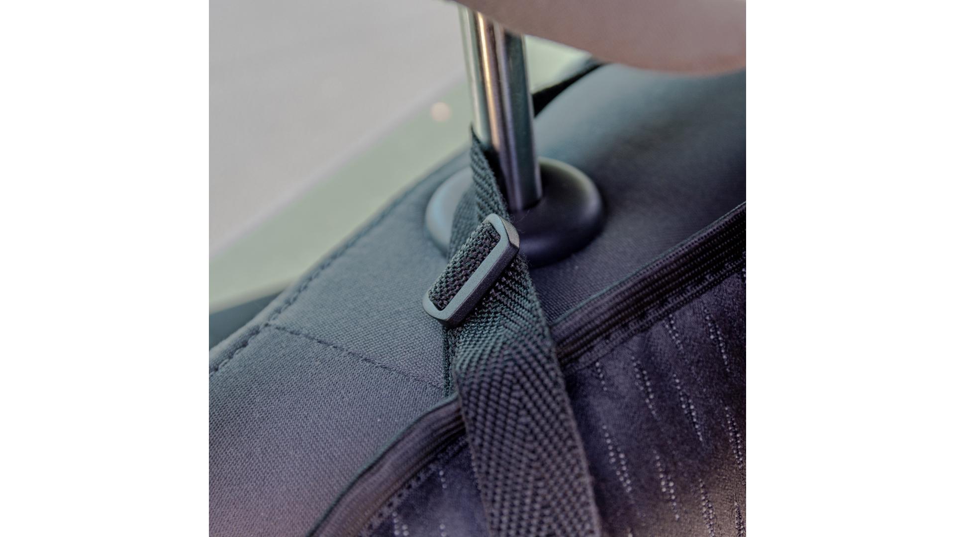 4CARS Ochranný potah sedadla pod detskou sedačku