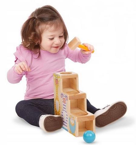 Melissa&Doug Dřevěná hračka, zatloukačka s kladívkem - schůdky