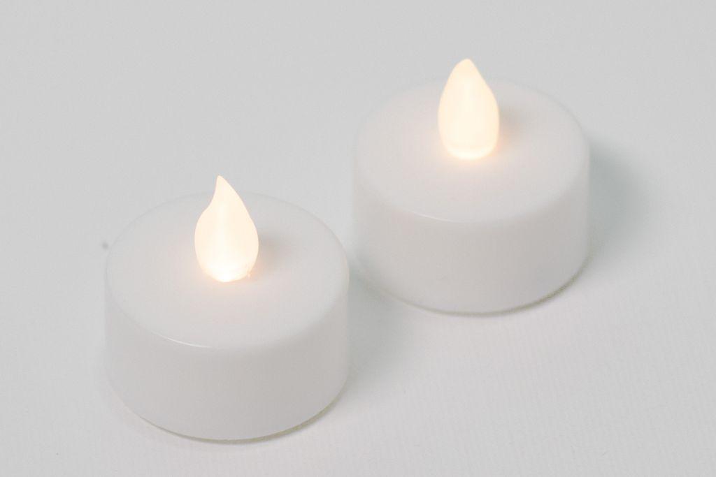 Dekorativní sada - 2 čajové svíčky - bílá