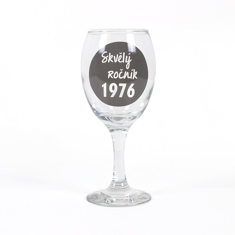 - Sklenička na víno - 1976