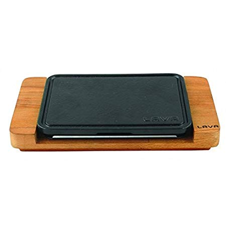 Litinový talíř 22x16 cm s dřevěným podstavcem