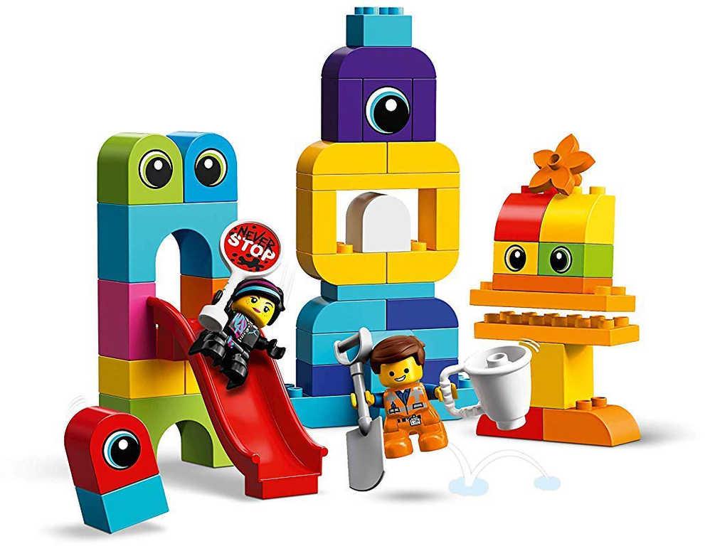 LEGO DUPLO PŘÍBĚH 2: Emmet a Lucy a návštěvníci 10895 STAVEBNICE