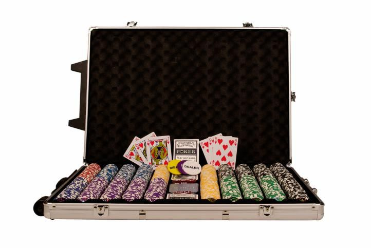 poker-set-1000-ks-zetonu-ocean-trolley-champion-chip