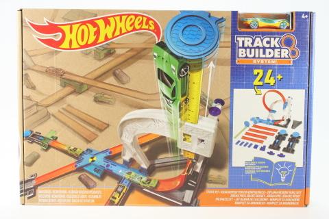 Hot Wheels Track Buil dráha lišácké kousky DLF28