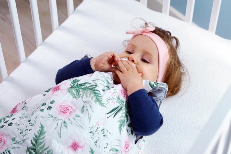 Baby Nellys Bavlněný spací vak Tečky na bílém, 48x80cm