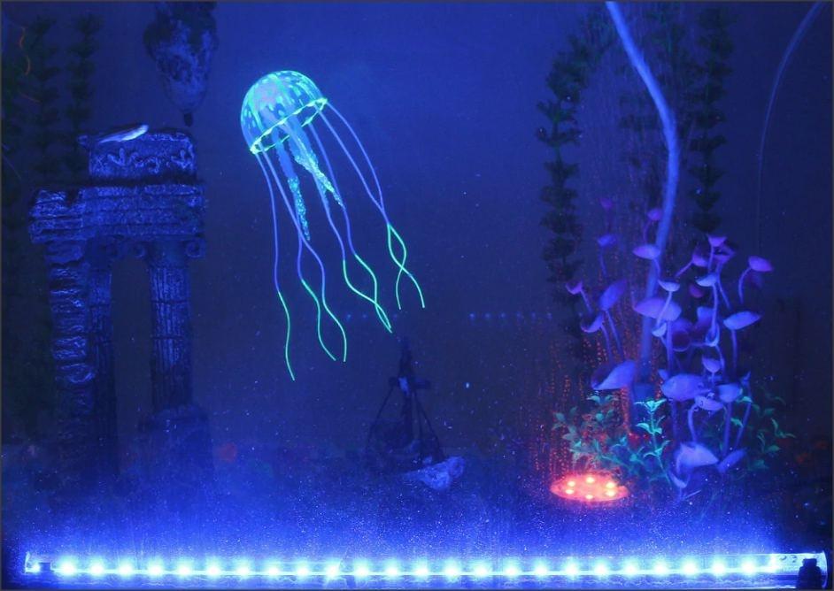 Ponorný LED osvětlovač do akvária