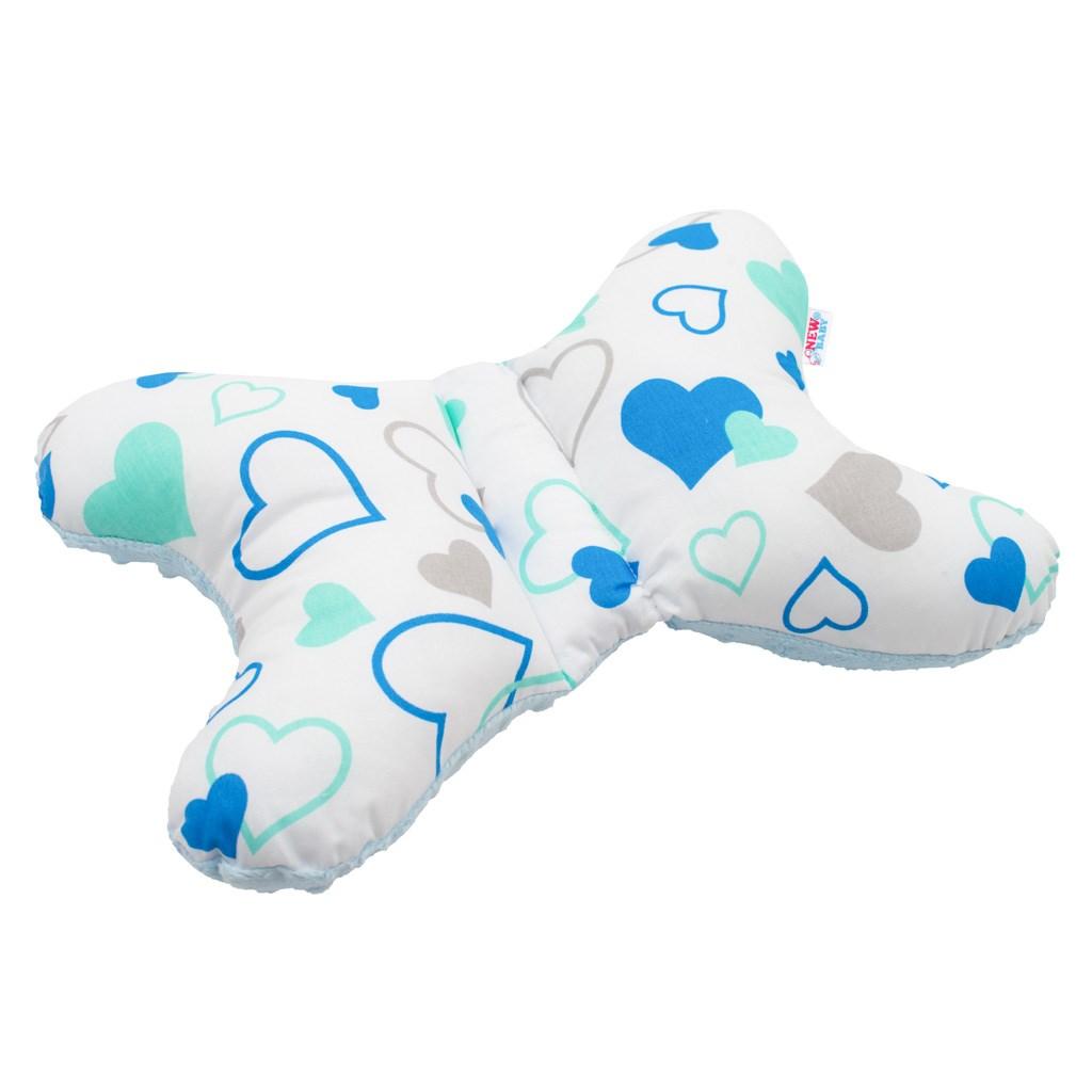 Stabilizační polštářek New Baby srdíčka - modrá