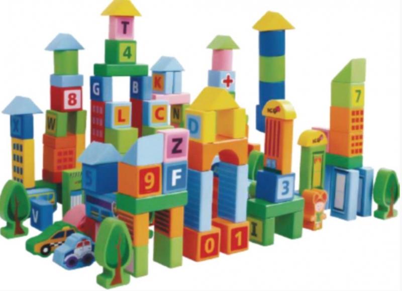 drevene-kostky-v-kybliku-eco-toys-100-ks-pastelove-barvy-mestecko
