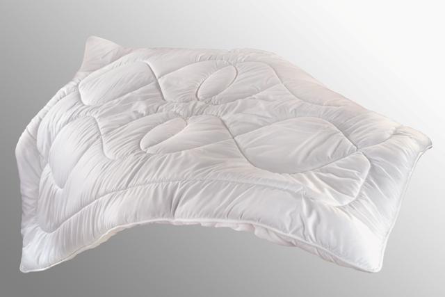 Přikrývka Luxus Plus 140x200cm celoroční 1000g, Barva: Bílá