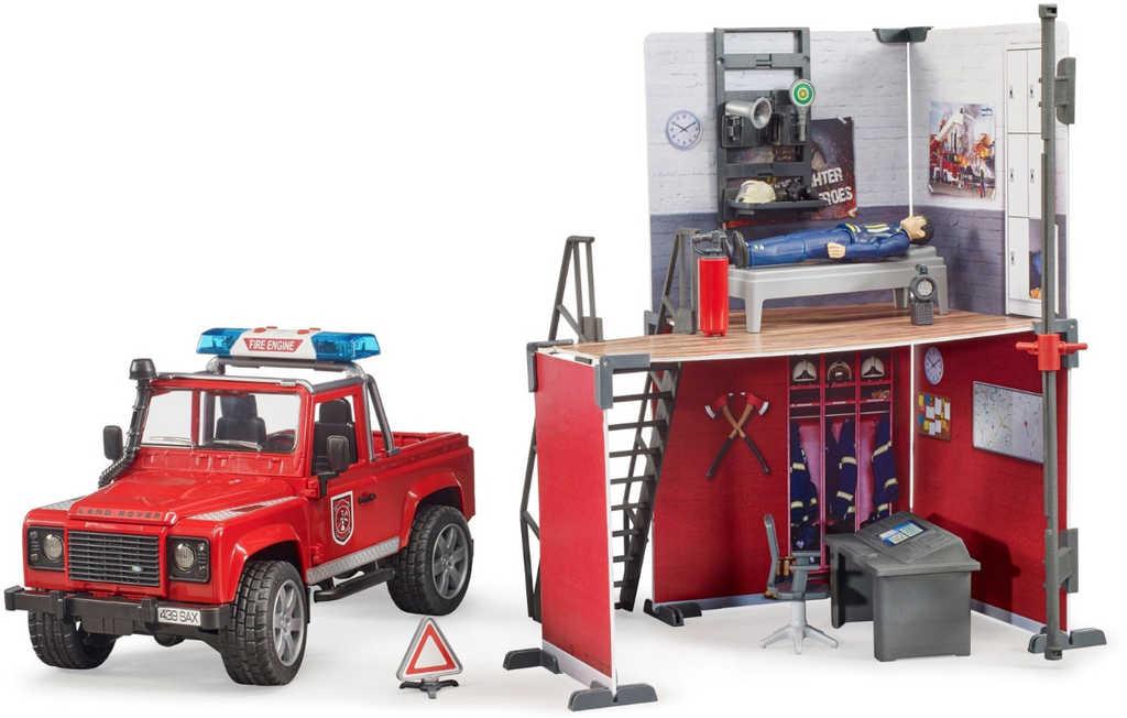 BRUDER 62701 Hasičská stanice set s autem a figurkou na baterie Světlo Zvuk