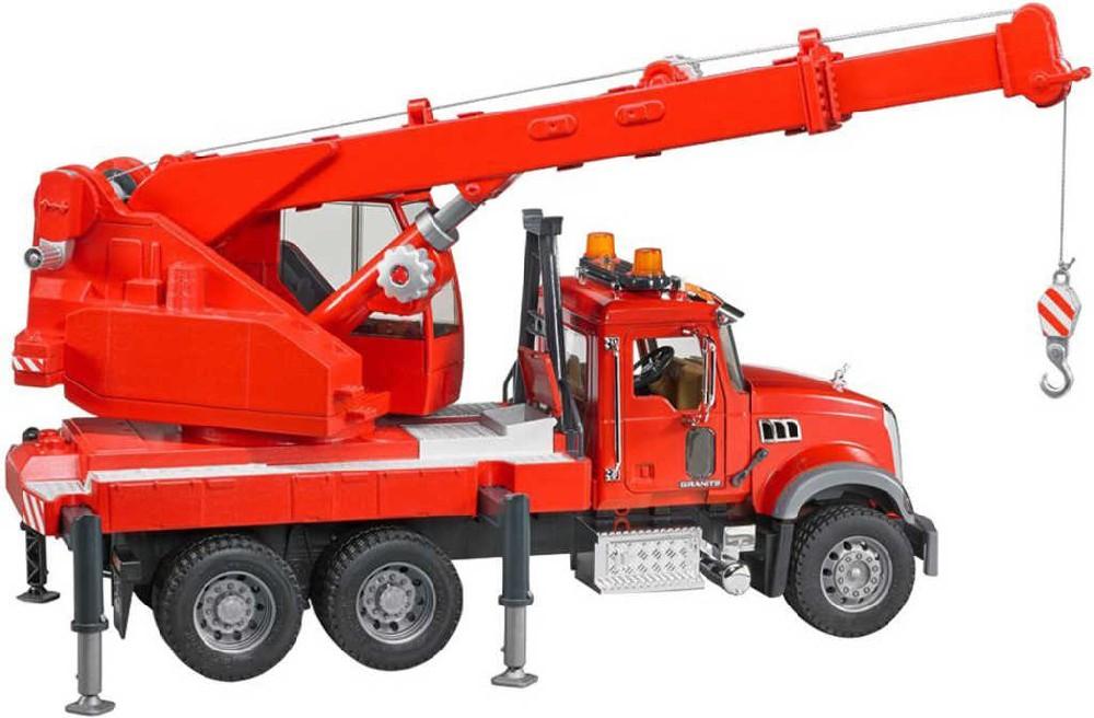 BRUDER 02826 Auto jeřáb funkční červený Mack hasiči Světlo Zvuk plast