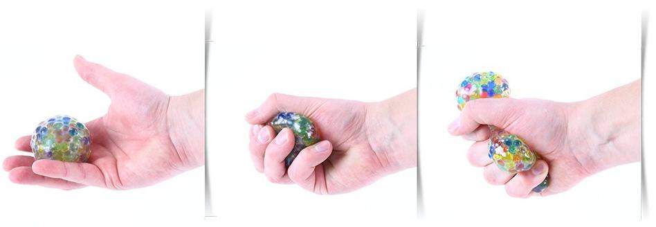 Míček antistresový bublinový síťkový 6cm s kuličkami na mačkání