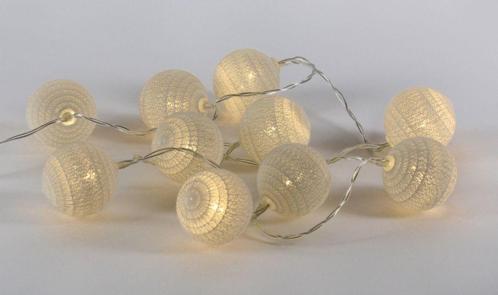 LED světelná dekorace - háčkovaná koule - 10 LED teple bílé