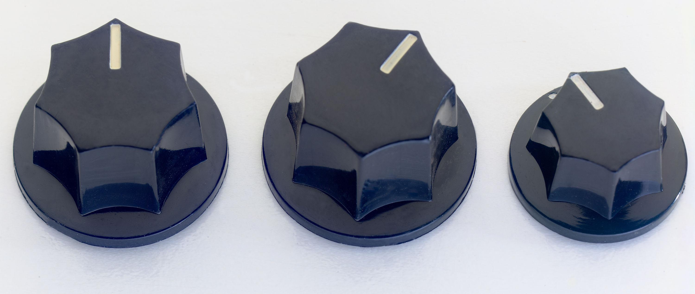 Stagg SP-KNJB-BK, knoflíky na potenciometry pro baskytaru