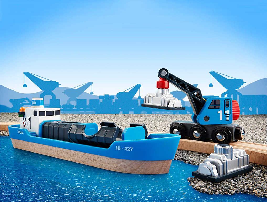 BRIO DŘEVO Přístav herní set loď nákladní s jeřábem a kontejnerem
