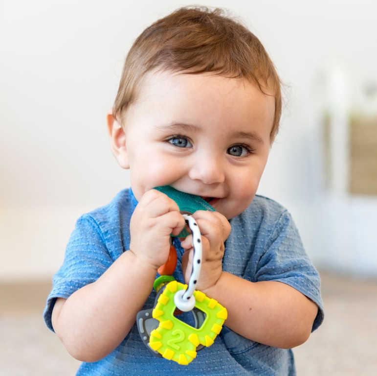 INFANTINO Baby Chrastítko a kousátko s klíčky pro miminko
