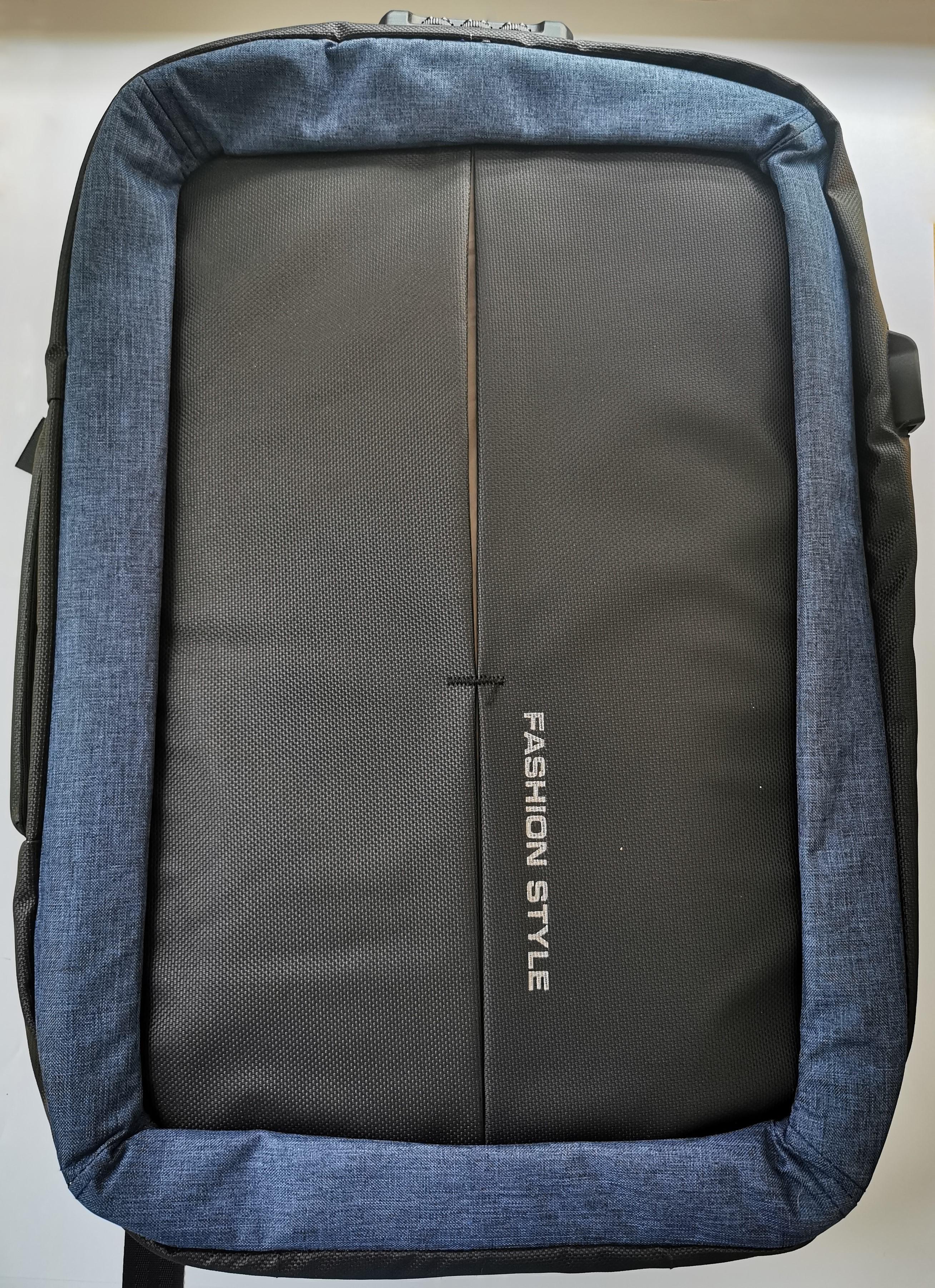 Praktický cestovní batoh - Modrá