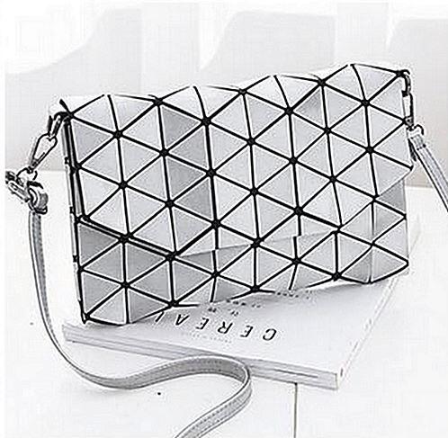 Geometrická kabelka - lesklá stříbrná
