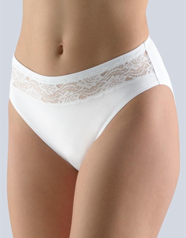 GINA dámské kalhotky klasické, širší bok, šité, s krajkou, jednobarevné 10200P - bílá