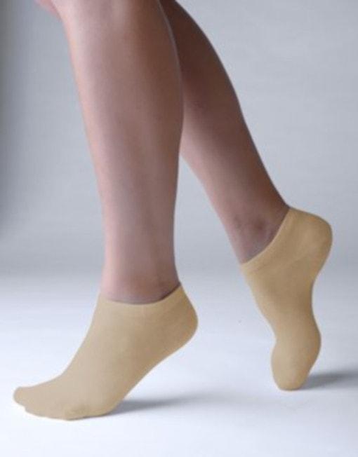 GINA dámské ponožky kotníčkové, bezešvé, jednobarevné Bambusové ponožky 82005P - koňak