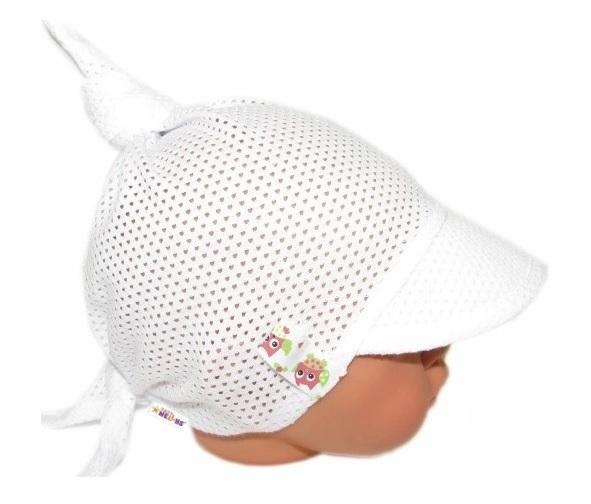 Baby Nellys Dětský síťkovaný šátek s kšiltem na zavazování, GIRL sovičky - bílý - univerzální