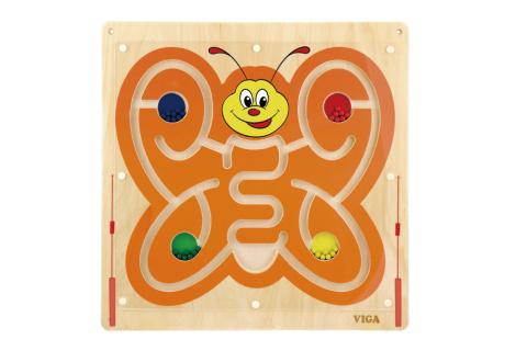 Dřevěný nástěnný labyrint motýl