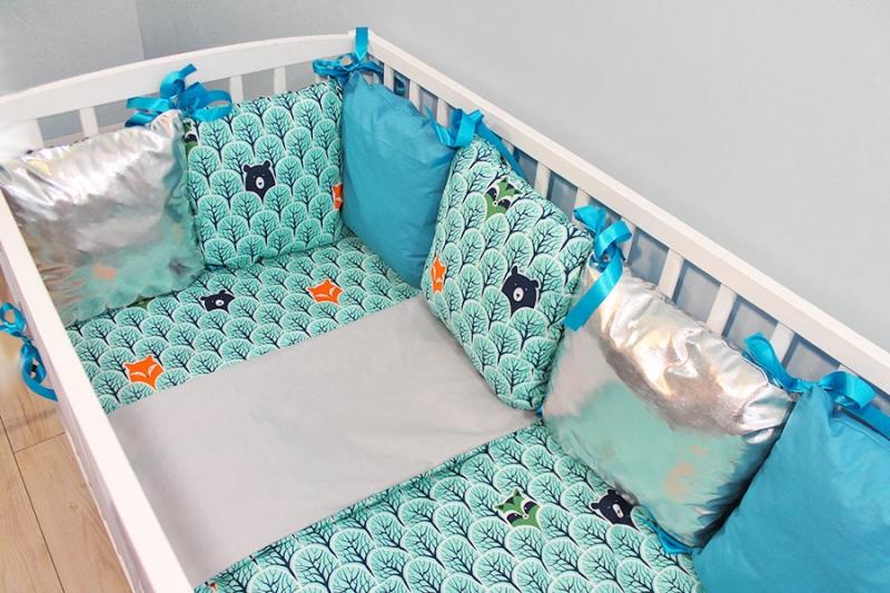 baby-nellys-polstarkovy-mantinel-s-povlecenim-shine-lesik-tyrkys-b19-120x90