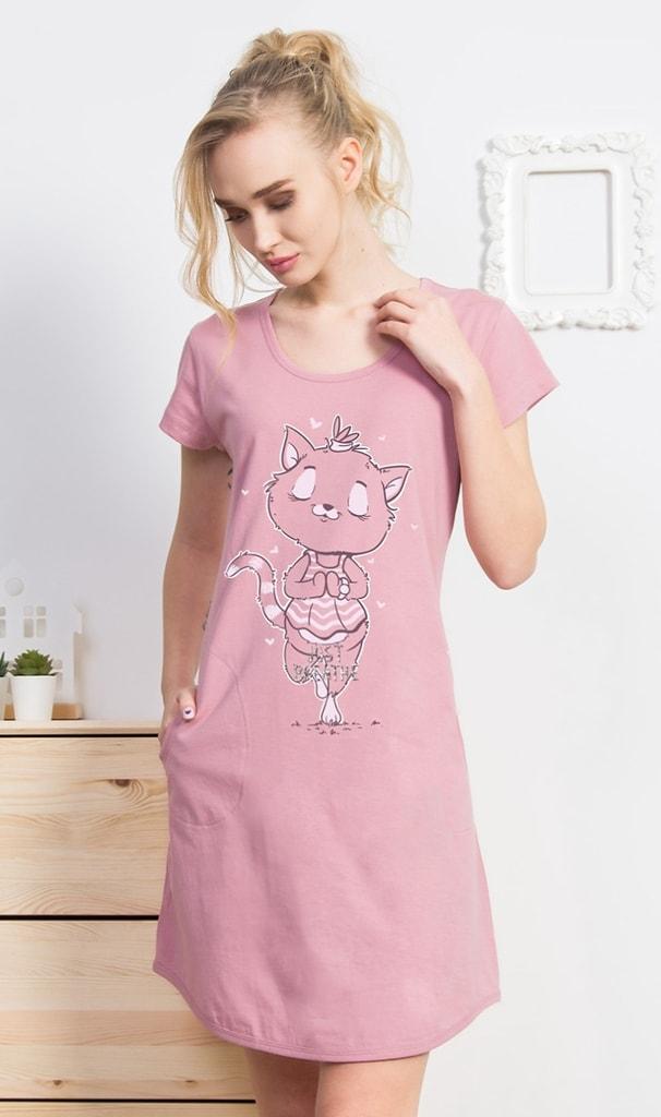 Dámské domácí šaty s krátkým rukávem Kočka Jogínka - starorůžová - S