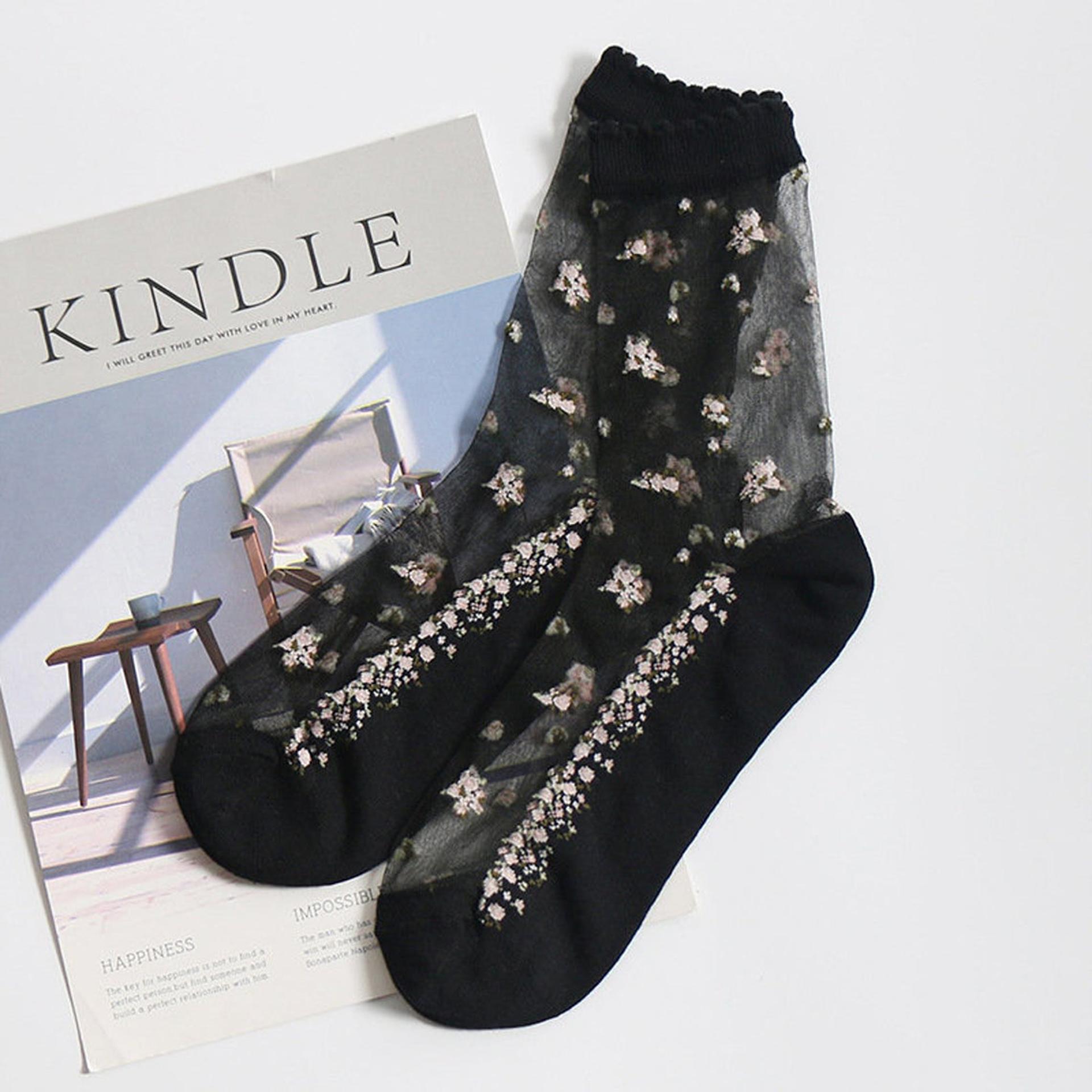 Průhledné ponožky s květy - černé