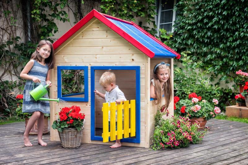 Zahradní domeček s barevným lemováním