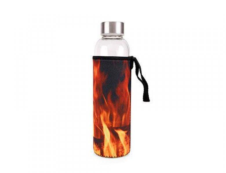 Skleněná láhev s ohnivým obalem