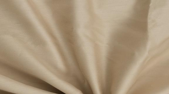 Béžové saténové prostěradlo 140x230 plachta bez gumy