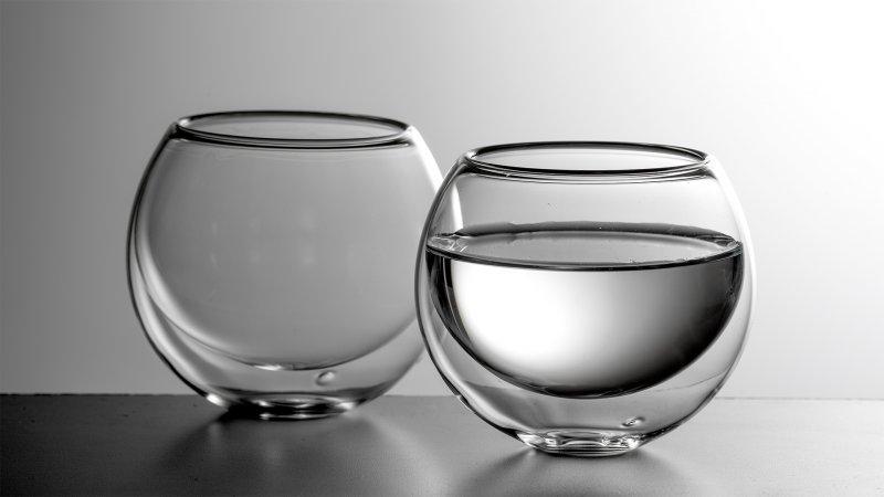 Luxusní dvoustěnná sklenička