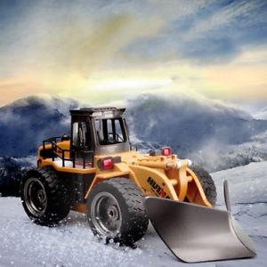 Sněžný pluh na dálkové ovládání 2.4Ghz 1:18