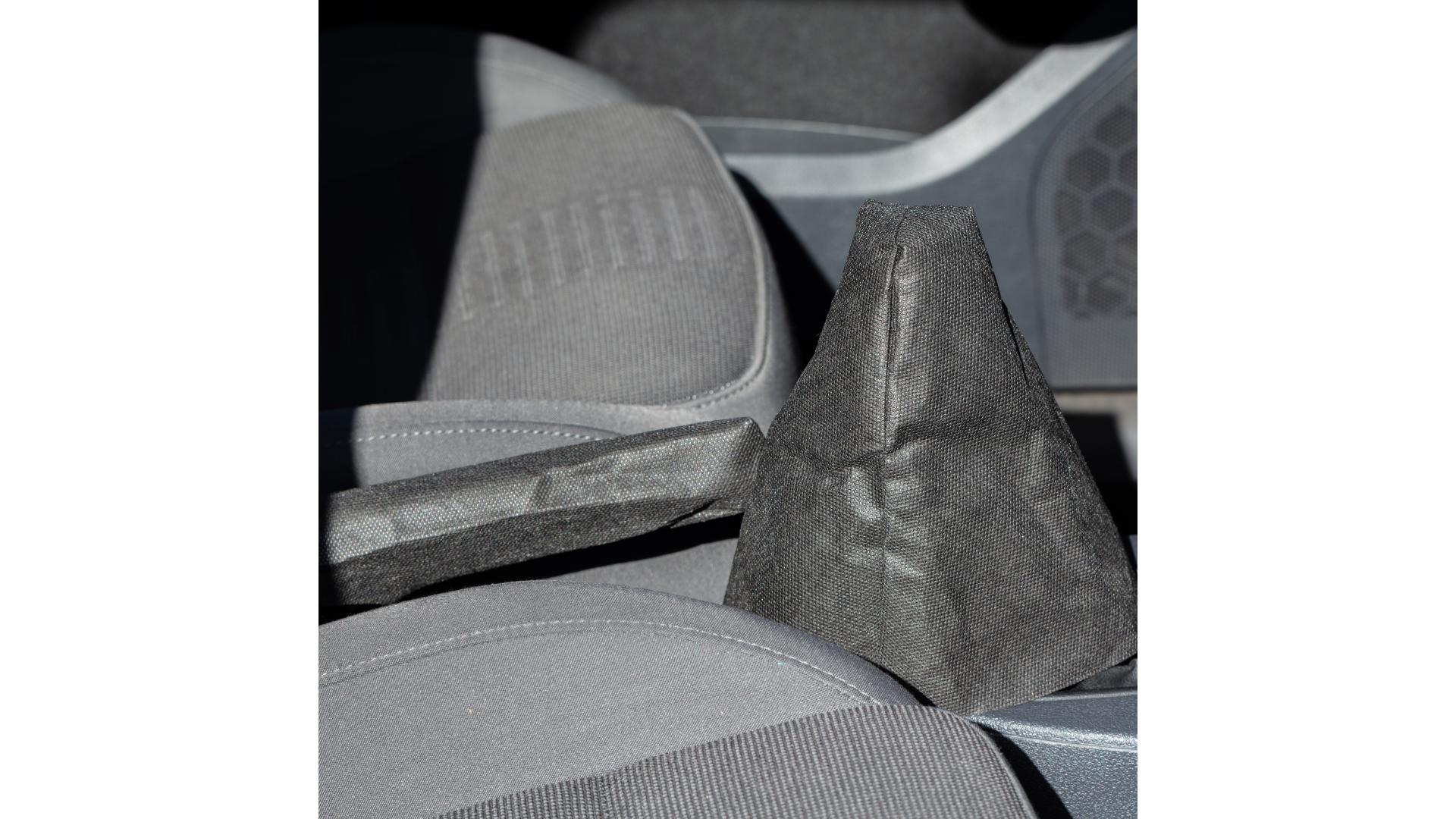 4CARS sada ochranných potahov (volant, řidící páka, ruční brzda)