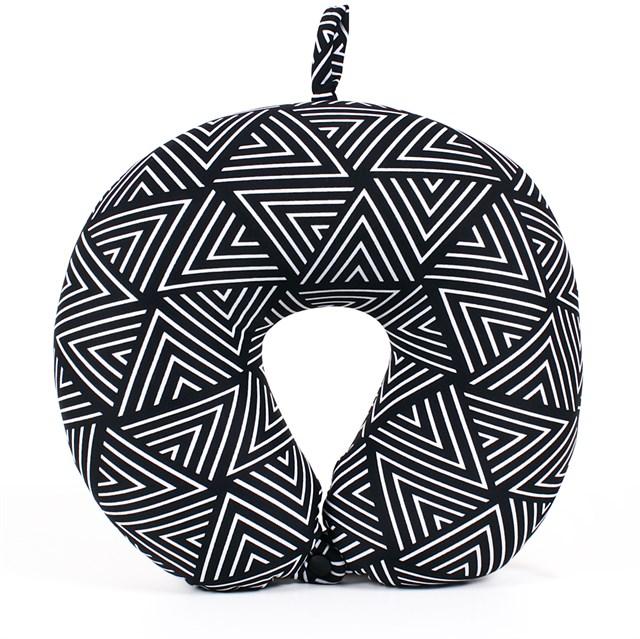 Cestovní polštář - ČB geometrický vzor