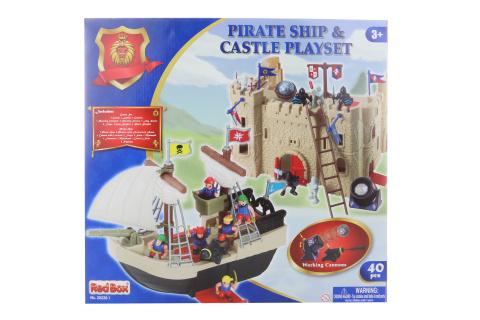 Hrad a pirátská loď