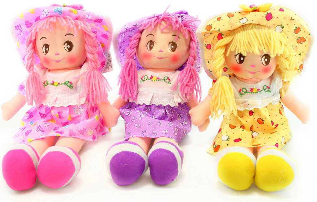 Panenka hadrová 37 cm látková holčička s culíky a kloboučkem - 3 barvy