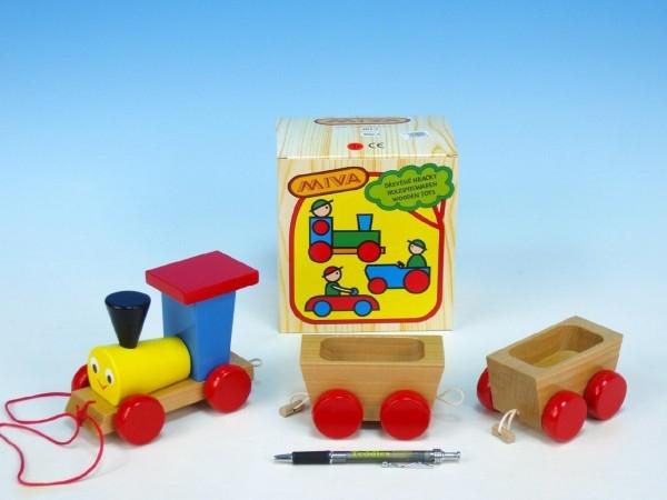 vlak-2-vagonky-drevo-tahaci-barevny-celkova-delka-43cm-v-krabici