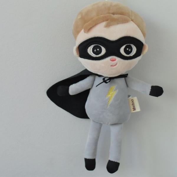 mini-hadrova-panenka-metoo-super-boy-seda