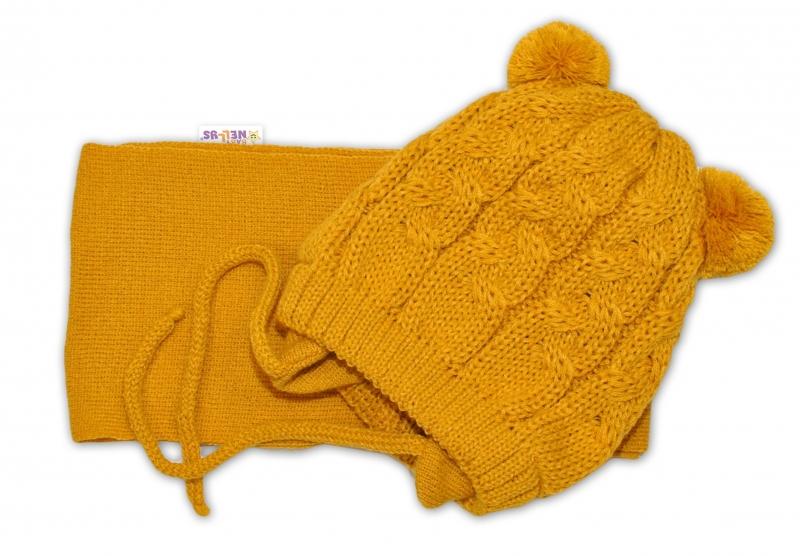 BABY NELLYS Zimní pletená čepička s šálou TEDDY - hořčicová s bambulkami, vel. 2-8m - 34/36 čepičky obvod