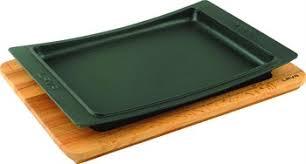 Litinový talíř 36x24 cm s dřevěným podstavcem