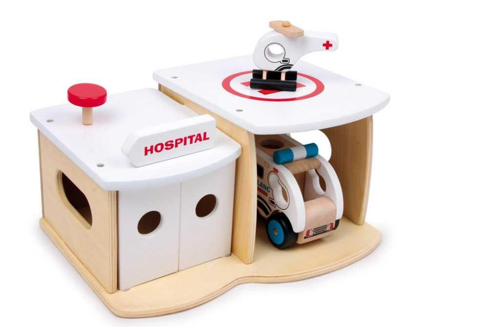 Small Foot Dřevěná nemocnice s vrtulníkem