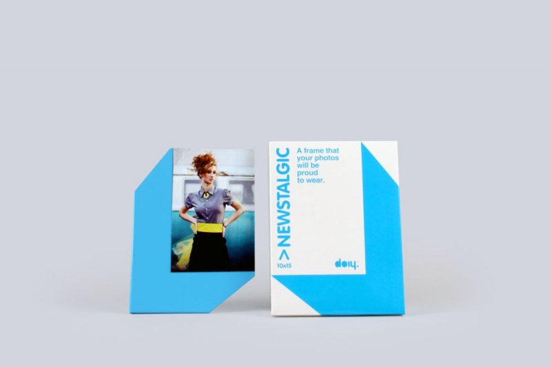 Stojánek na fotku 10x15 s magnetem - modrá
