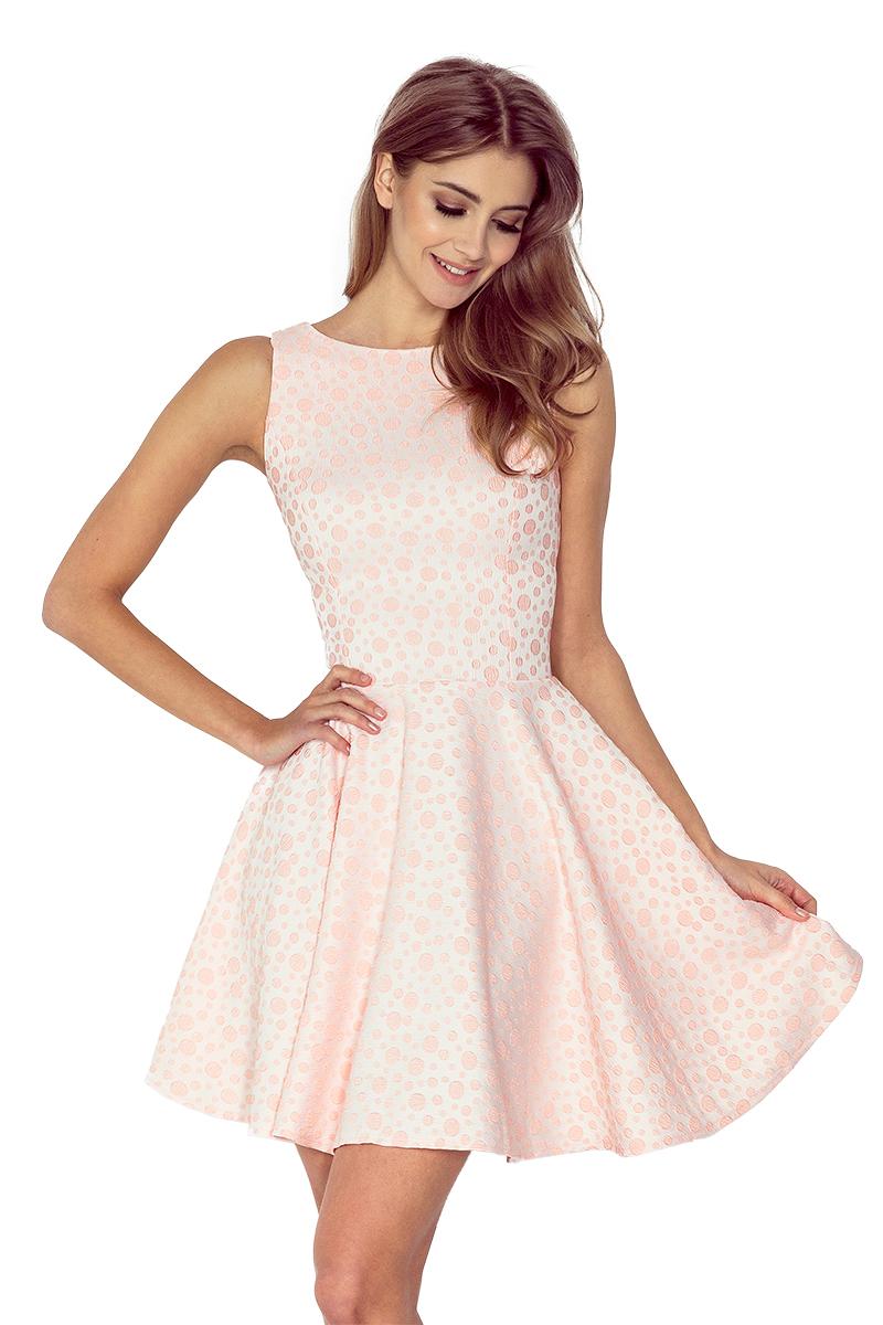 Broskvové béžové šaty kolového střihu s lodičkovým výstřihem model 4977685 - L