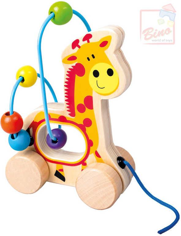 BINO DŘEVO Baby žirafa tahací motorický labyrint provlékačka pro miminko